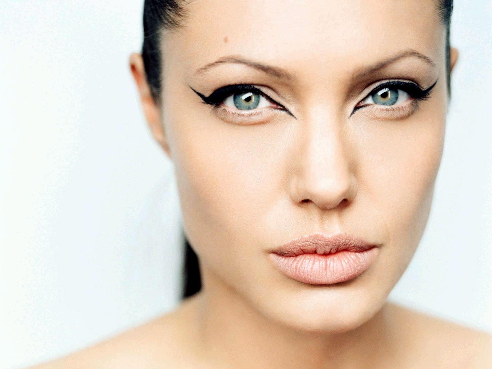 ما علاقة أنجلينا جولي بهذا المنتج اللبناني؟