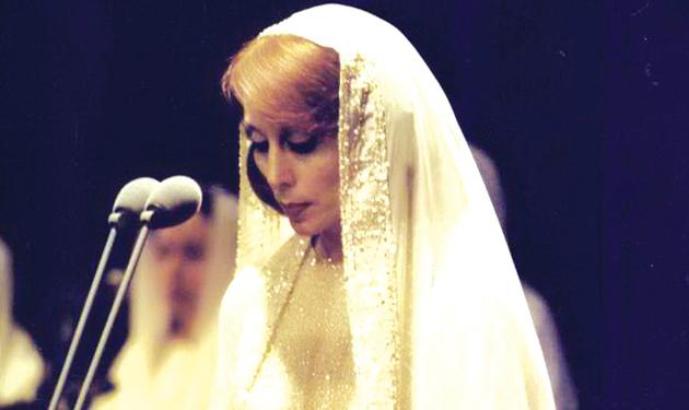 فتاة تستنسخ وجه راهبة العشق و سفيرتنا الى النجوم