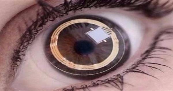 عدسات لاصقة ذكية تضمن وصول الدواء إلى داخل العين