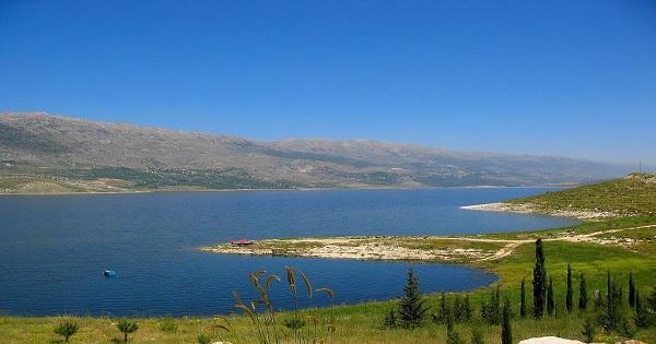 مصلحة الليطاني: مياه القرعون ملوثة بجرثومة